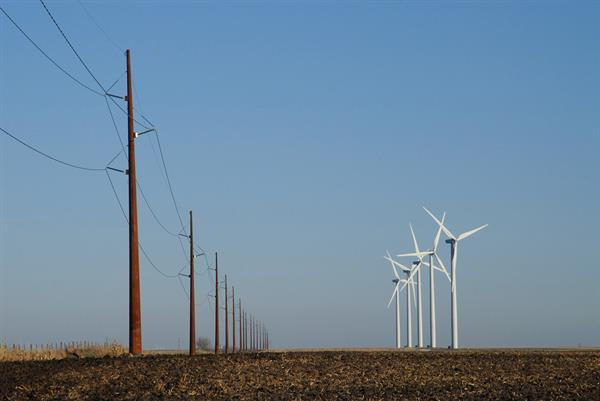 Transmission Monopoles and Wind Turbines in Iowa